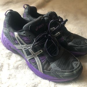 ASICS Purple and black athletic shoes W9